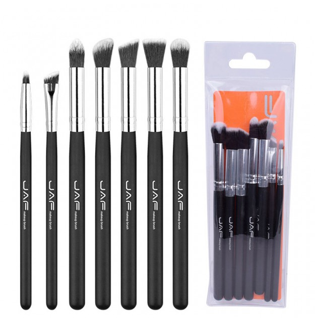 Makeup brushes for eyes